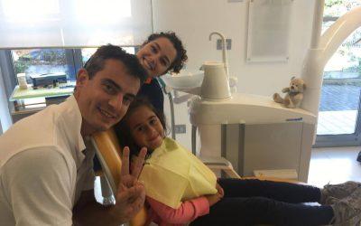 Piccoli pazienti speciali .. Sofia e orsetto Teddy mettono l' apparecchio !! :)